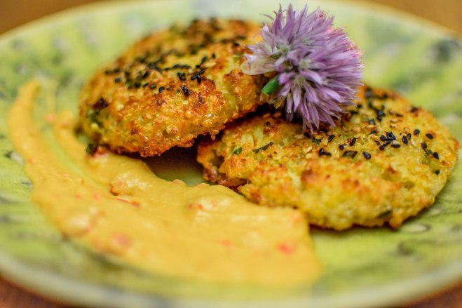 Quinoa Cakes with Hummus-2